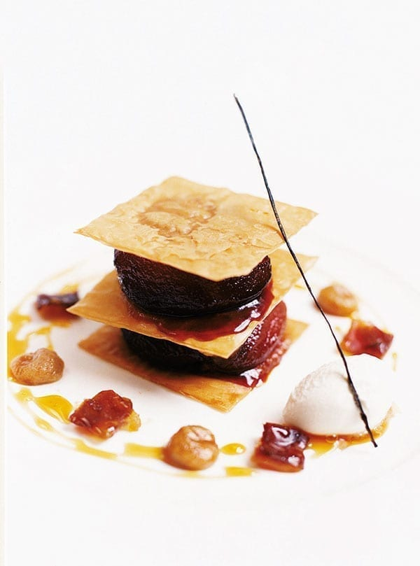 Caramelised apple with filo crisps and date and apple purée