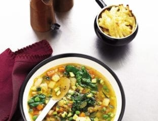 Minestrone with macaroni cheese