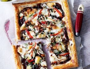 Goat's cheese and red pepper tart with chicory