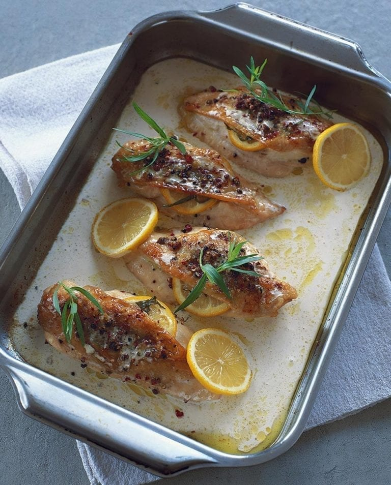 Chicken breasts with lemon and tarragon sauce