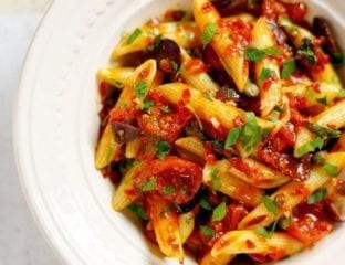 Cherry tomato and chilli pasta