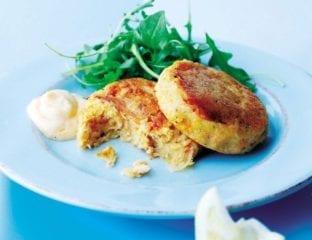 Red pesto salmon fishcakes