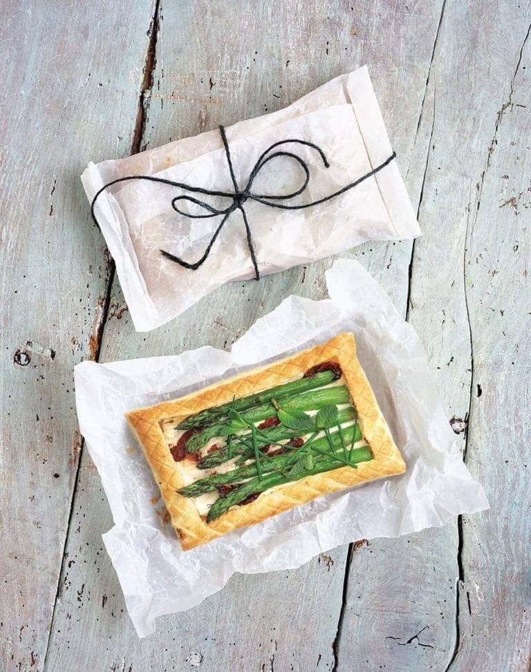 Asparagus and ricotta tarts