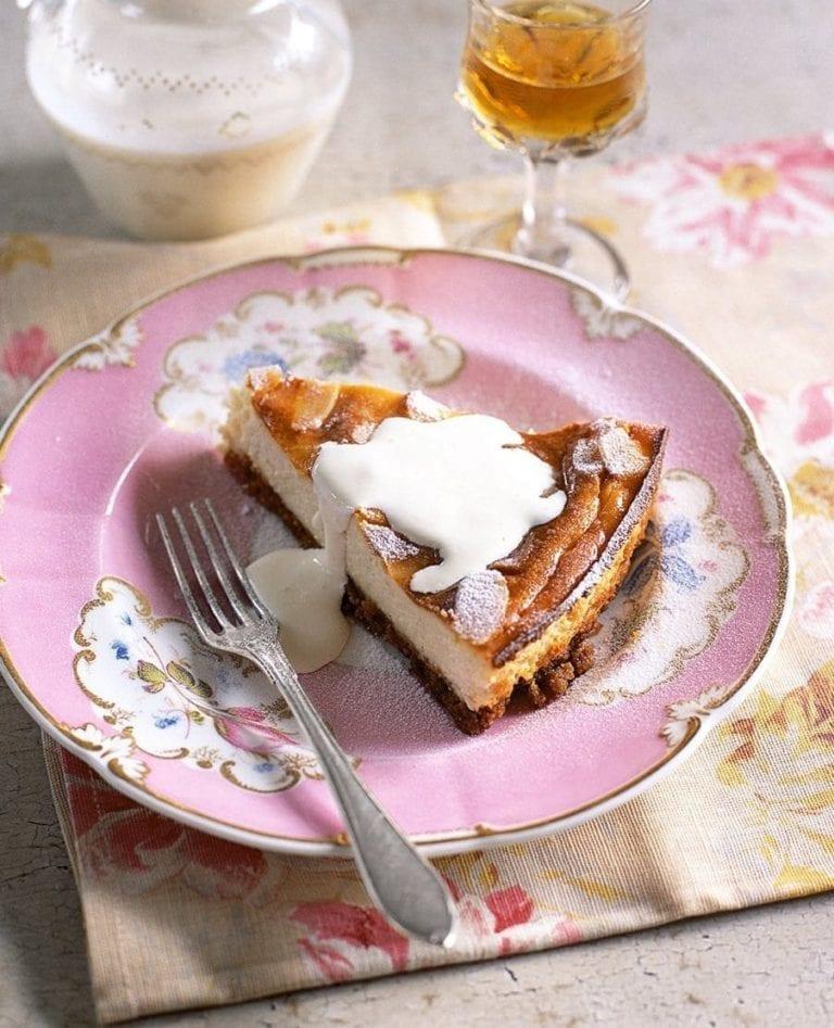 Italian almond cheesecake