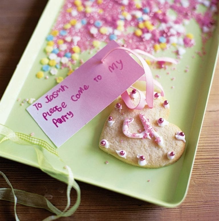 Vanilla cookie party invitations