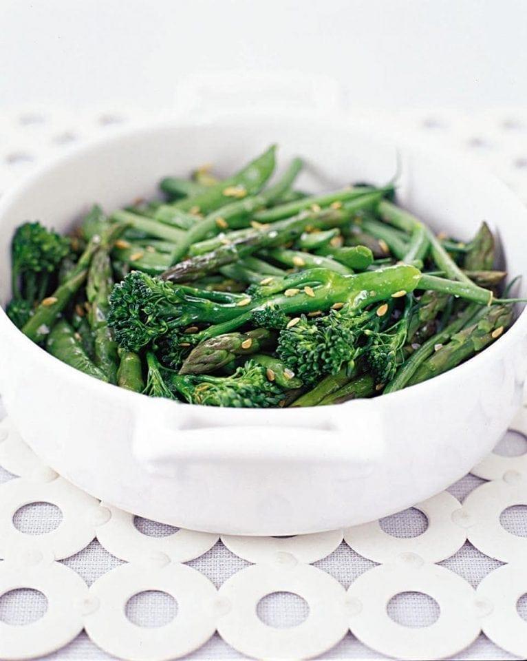 Microwaved crunchy green vegetables