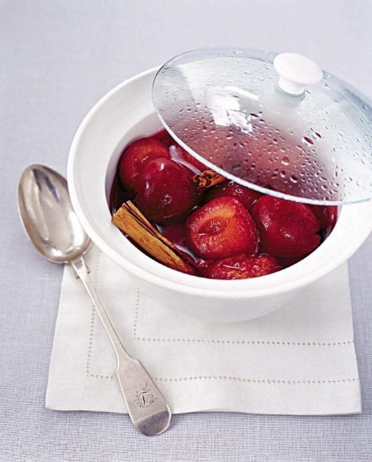 Microwaved stewed fruit