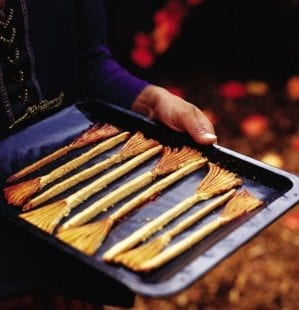 How to make witch's broomsticks for Halloween