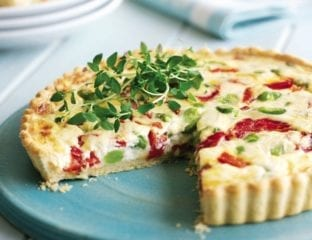 Broad bean and roasted pepper tart