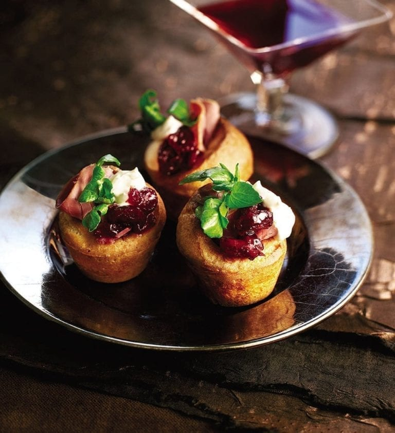 Mini Yorkshire puddings with venison