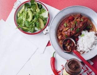Chicken and chilli chocolate stew