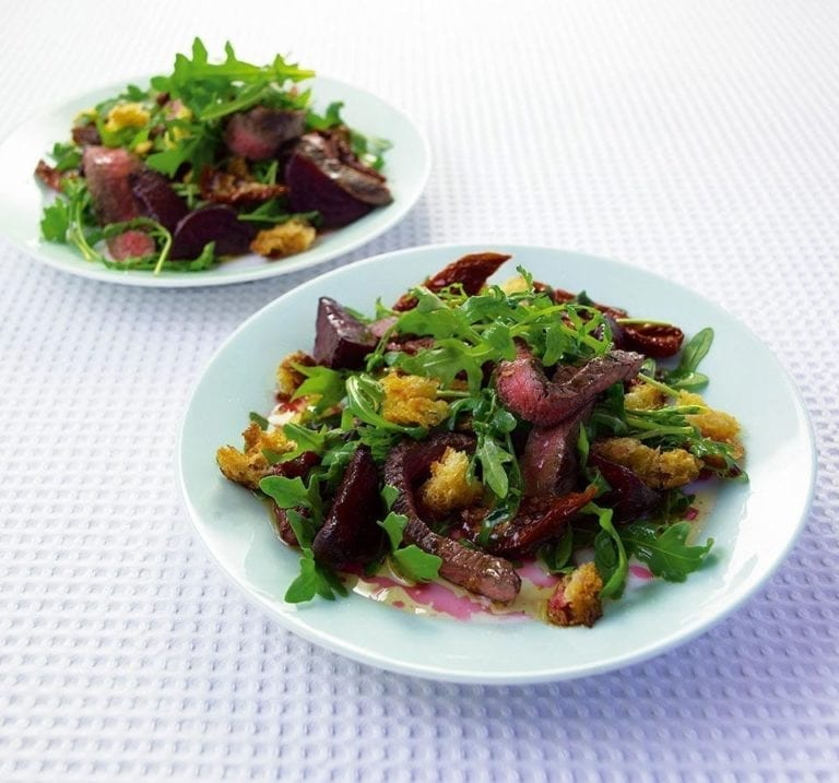 Warm beef, beetroot and rocket salad