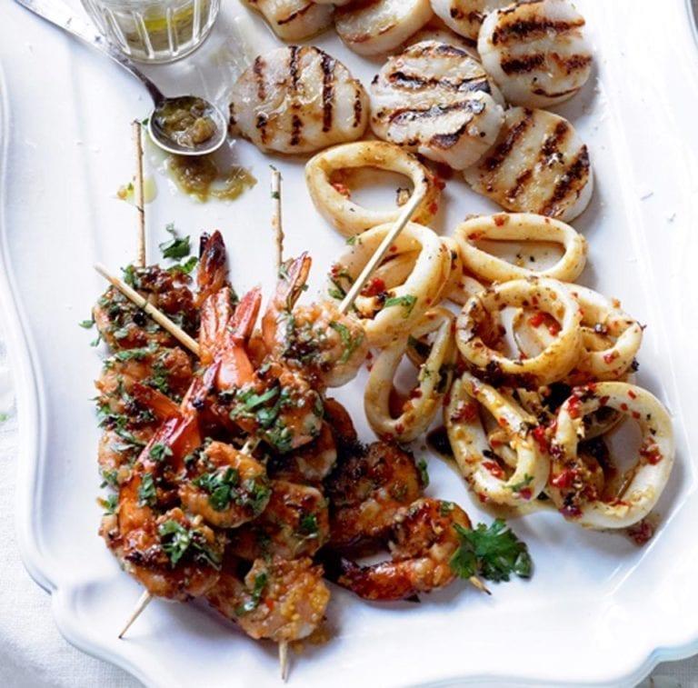 Barbecuing fish and shellfish