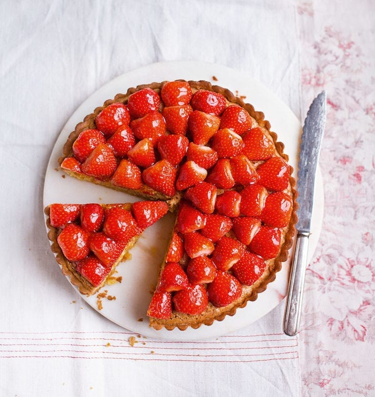 How to make a strawberry frangipane tart