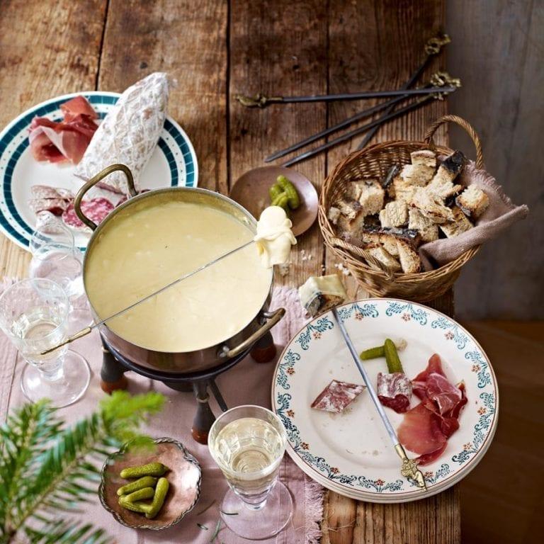 How to make a cheese fondue