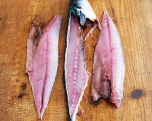 How to fillet round fish