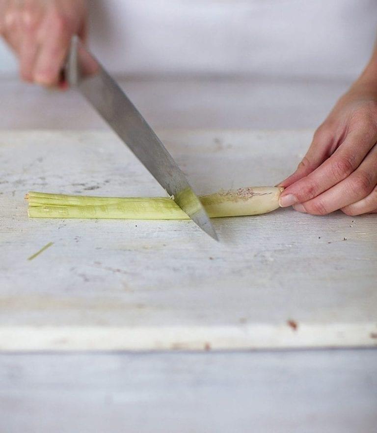 How to prepare lemon grass stalks