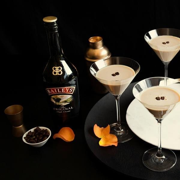 Flat white martini video recipe