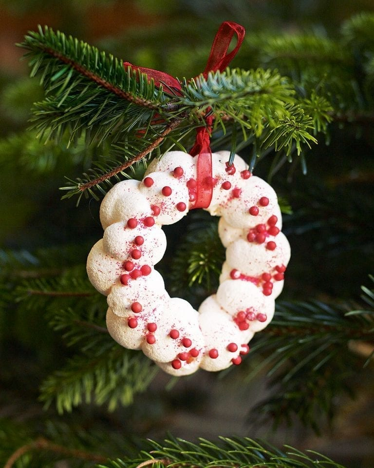 How to make meringue Christmas decorations video