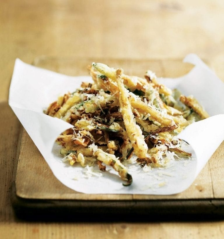 Crispy courgette chips