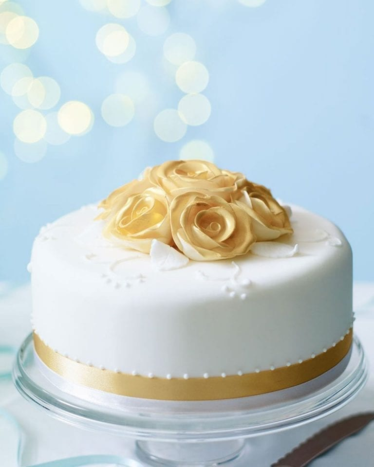How to make a golden rose cake topper
