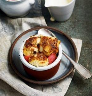 Individual rhubarb cobblers video recipe