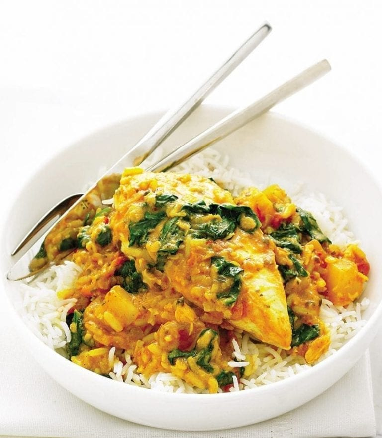 Cheat's chicken and spinach curry