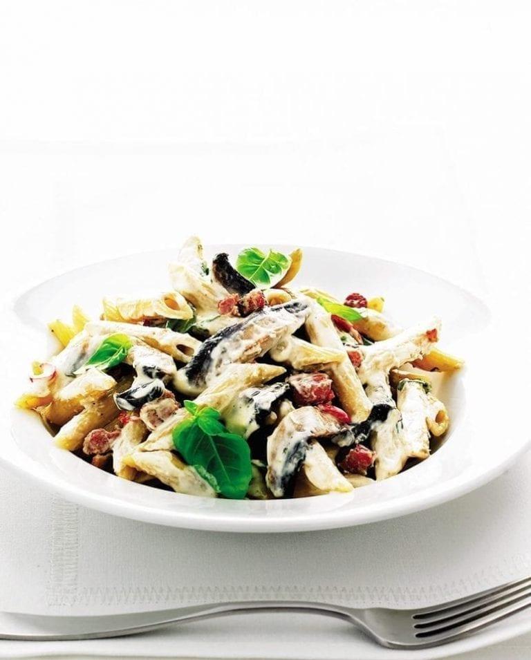 Cheat's creamy mushroom pasta