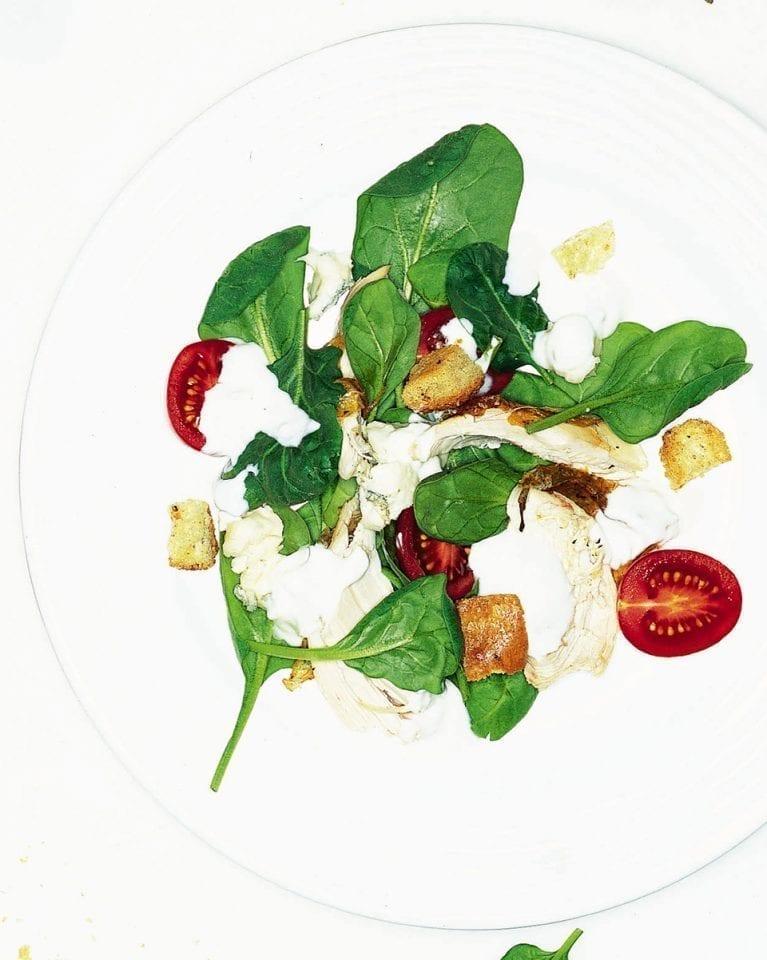 Quick chicken salad with a gorgonzola dressing
