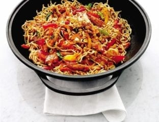 Quick chilli chicken noodles with peanuts