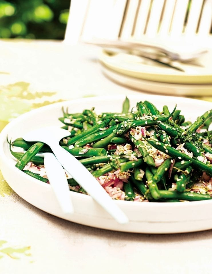 Green bean and sesame seed salad