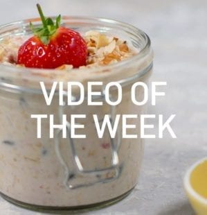 Strawberry Skyr and almond overnight oats