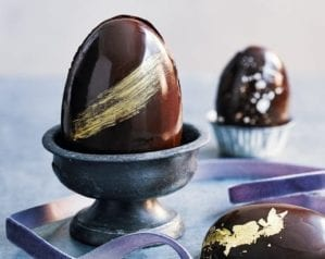 How to make (and decorate) chocolate Easter eggs