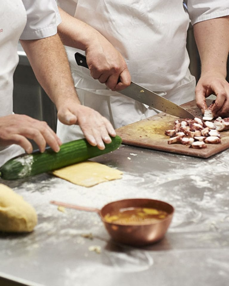 Best cookery classes for foodie men
