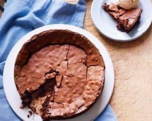 Easy flourless chocolate cake – video