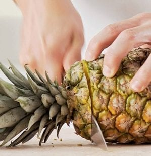 How to prepare a fresh pineapple