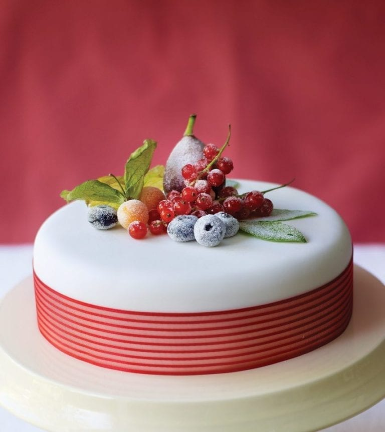 How to make a crystallised fruit and berries Christmas cake