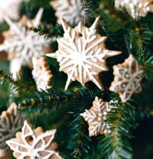 5 homemade Christmas tree decorations for foodies