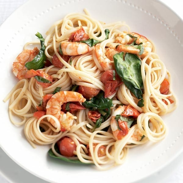 Chilli prawn and spinach linguine