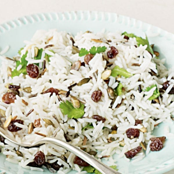 Rice with raisins and pumpkin seeds