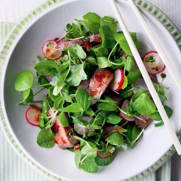 Spicy Oriental lamb salad