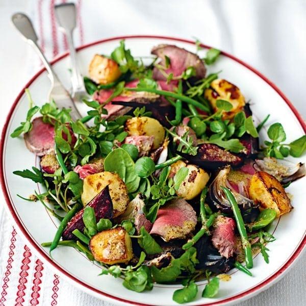 Roast beef salad platter
