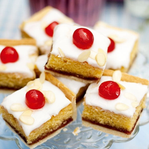 Iced bakewell tart traybake