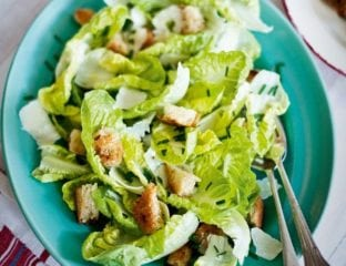 Green salad with a walnut and lemon dressing