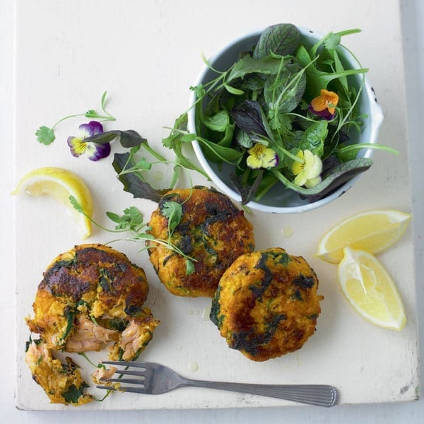 Pepper and dill salmon fishcakes