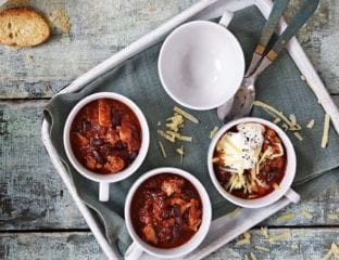 Chunky chilli chicken soup