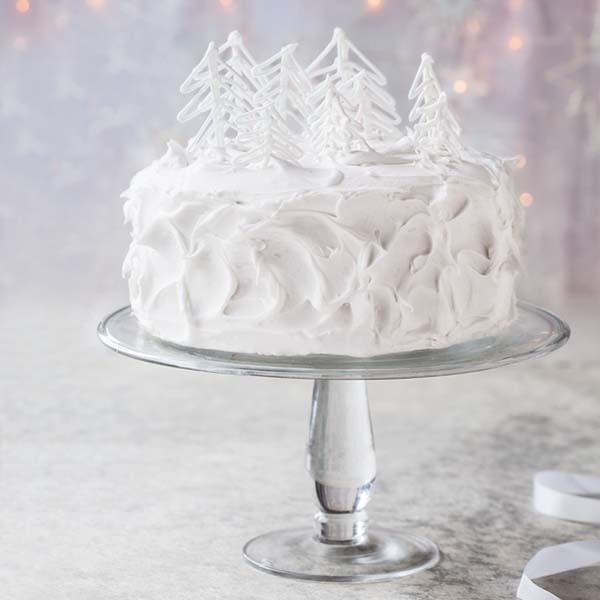 Step-by-step winter wonderland cake