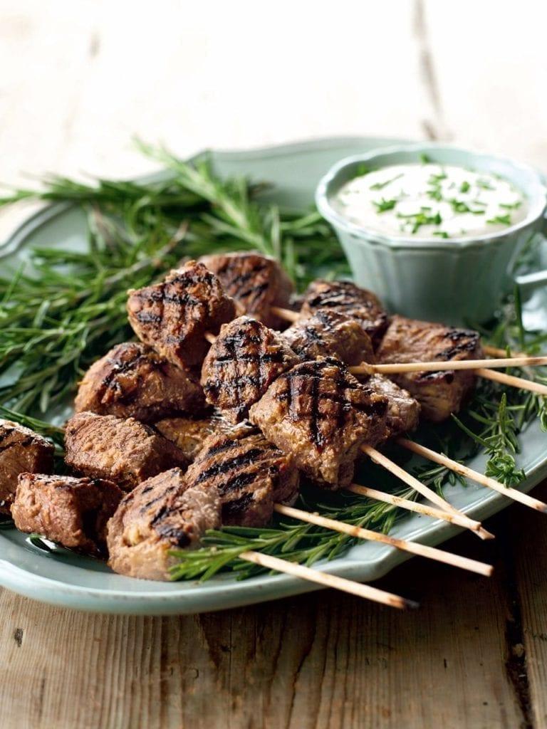 Beef skewers with horseradish dip