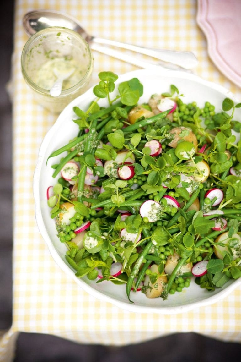 Green bean and pea salad with salad cream dressing