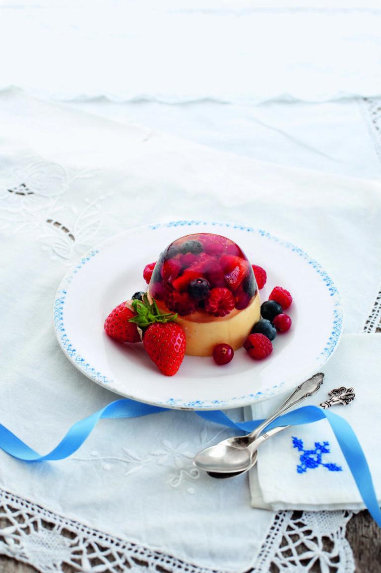 Summer berry jelly and white chocolate pannacotta
